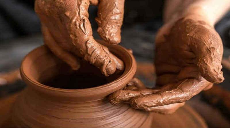 Nas Mãos do Oleiro